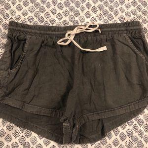 Billabong grey flowy shorts!!